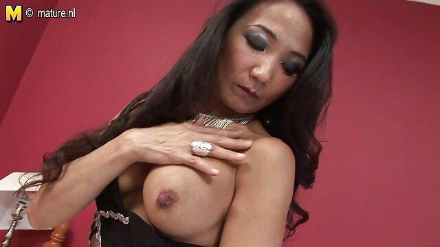 Duna y fakings tv gratis Frayda en una bonita escena lésbica de Sapphic Erotica