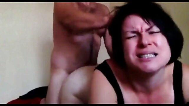 Nena fakings travestis cachonda obtiene coño y follada anal