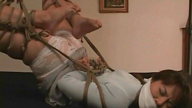 Estos pantalones de yoga realmente muestran fakings travestis mi trasero de burbuja JOI