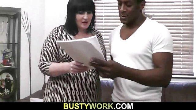 La modelo caliente Kitty Jane va a una orgía gang bang de videos gratis follatelos sexo público